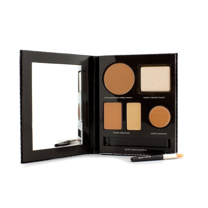 The Flawless Face Book - # Tan (1x Creme Compact, 1x Pressed Powder w/ sponge, 1x Secret Camouflage...)